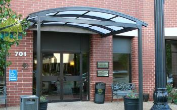 Here is a 37u0027 x 37u0027 flat roof style porte cochere for a Best Western. The steel sub-frame (by others) and the slightly sloping roof is separate from the ... & Porte Cocheres Canopy Manufacturer Glass Entry Drive Thru ...